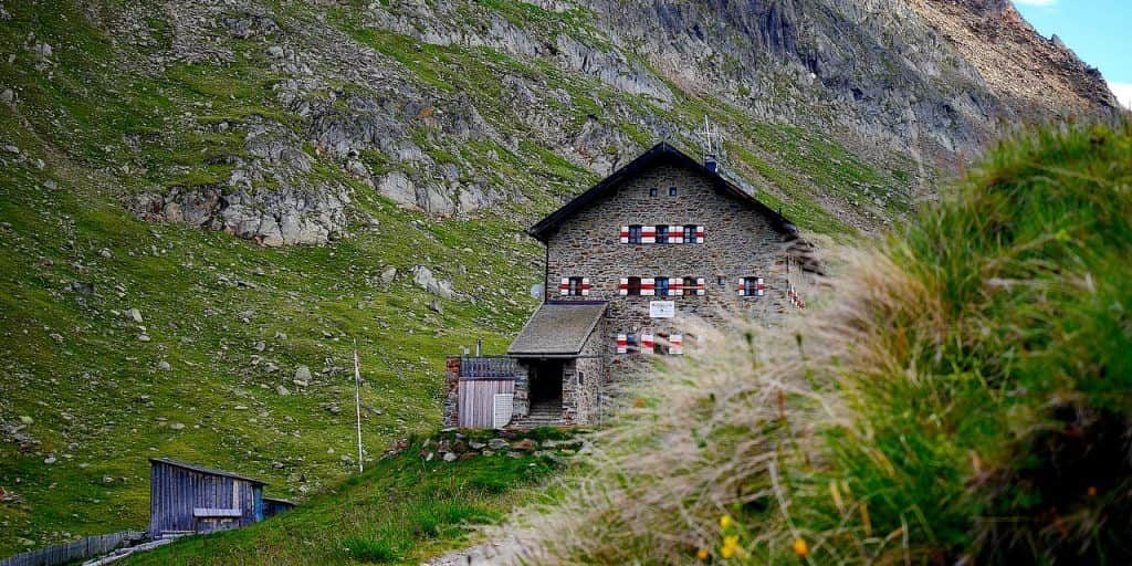 berghütte_1518624076-1024x769-min